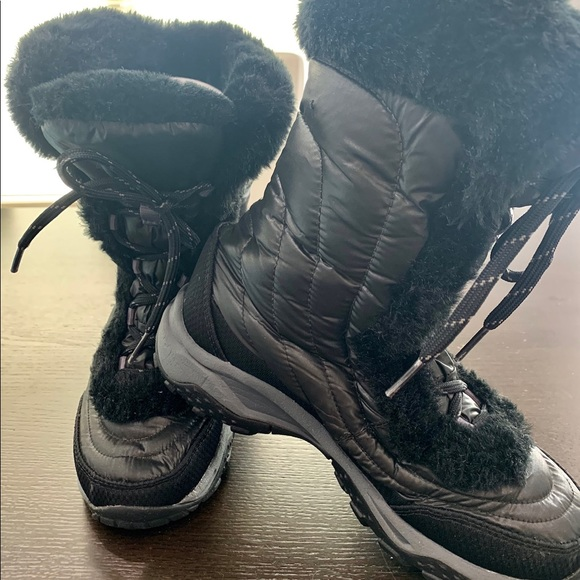 The North Face Other - North Face Youth Girl's Faux Fur Boots Winter Snow